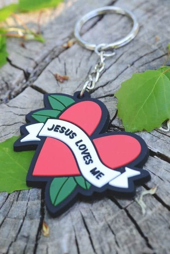 Nyckelring: Jesus loves me