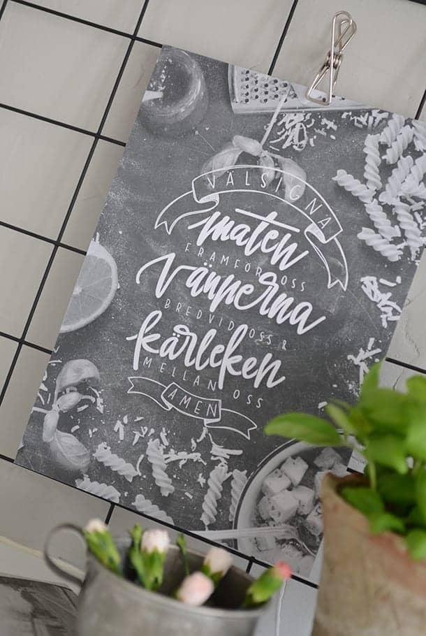 Poster: Välsigna maten framför oss