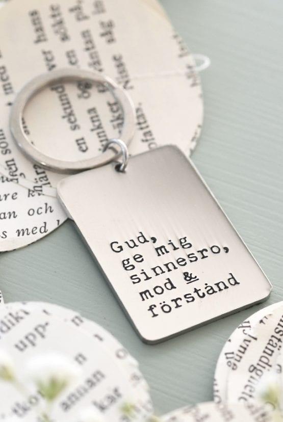 Nyckelring i stål: Gud, ge mig sinnesro