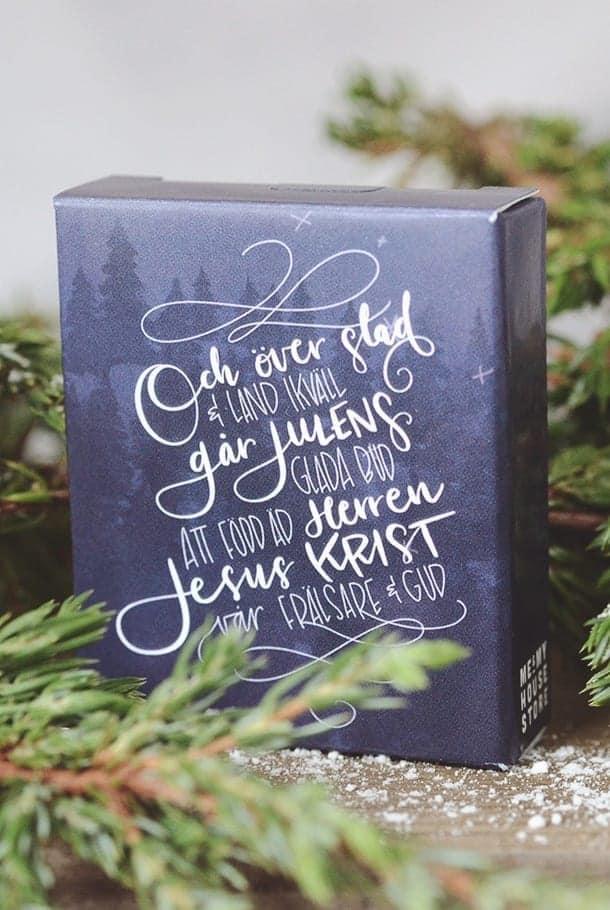 Och över stad och land ikväll går julens glada bud