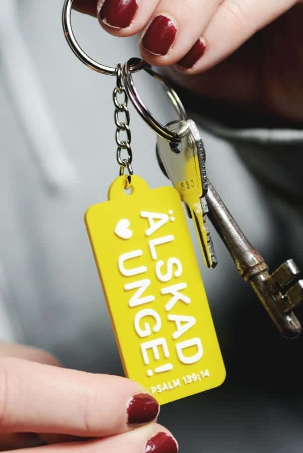 Nyckelring: Älskad unge!