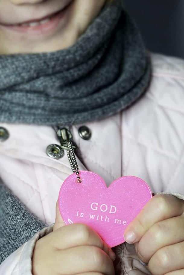 Nyckelring med glimmande hänge: Hjärta