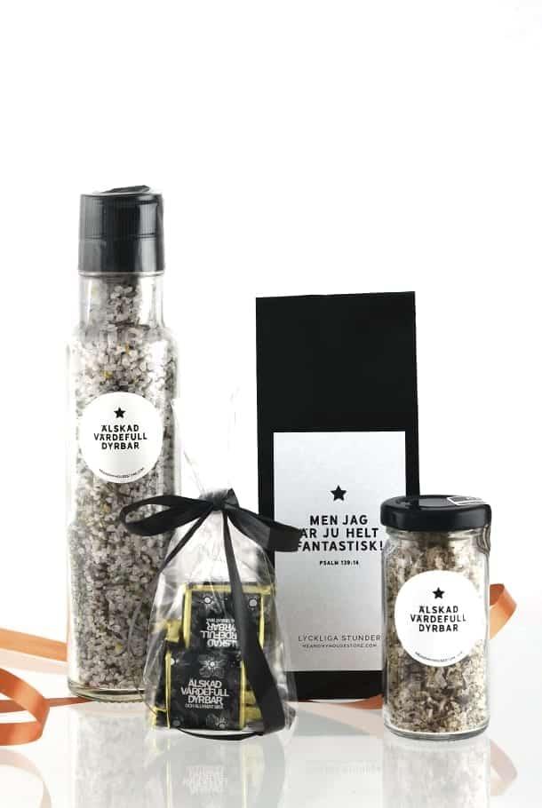 Presentset: Saltkvarn med vinbärssmak, Lyckliga stunder-te, 10 choklad och kantarellsalt