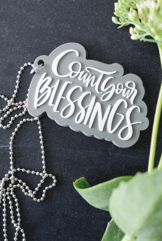 Kulhalsband med silikonhänge: Count your blessings