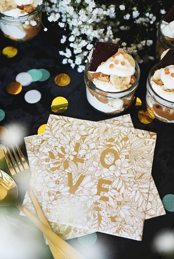 Servett med guldfärgat tryck: Love & Hope