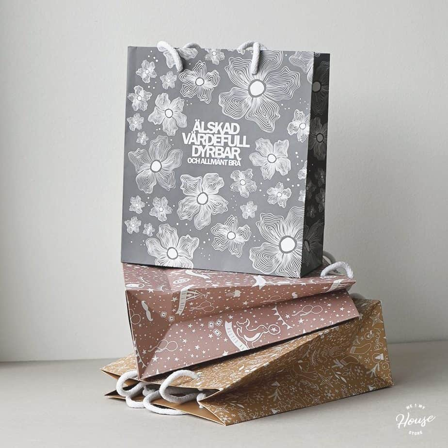 Presentpåsar av återvunnet papper
